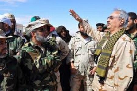 Le maréchal libyen Khalifa Haftar promet de laisser rentrer chez eux les combattants qui se rendront à ses troupes