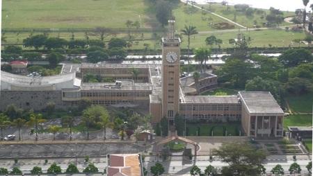 Vue générale du Parlement kenyan. © Photo: Rotsee2, source: Wikipédia