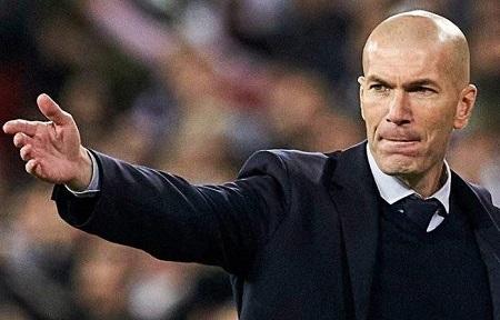 La star du football français d'origine algérienne, Zinedine Zidane