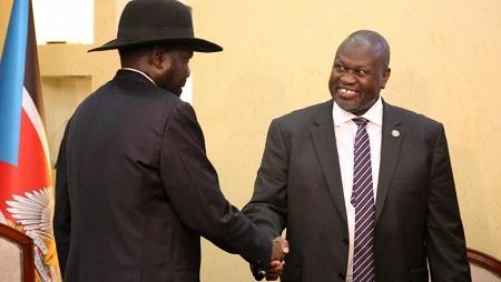 Salva Kiir et Riek Machar se sont rencontrés ce 15 et 16 janvier pour tenter de débloquer les discussions, alors que la pression internationale s'accentue. © REUTERS/Jok Solomun
