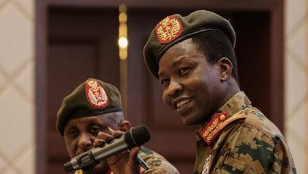 Shams-Eddin Kabashi, le porte-parole du Comité militaire soudanais lors d'une conférence de presse le 13 juin 2019 à Khartoum. © Yasuyoshi CHIBA / AFP