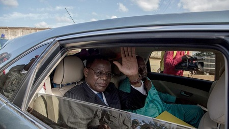 L'opposant Maurice Kamto après sa libération de prison à Yaoundé, le 5 octobre 2019. © STRINGER / AFP