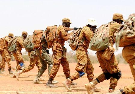 La semaine dernière, le Parlement burkinabè a adopté à l'unanimité une loi visant à armer des civils volontaires pour lutter contre l'insécurité dans le pays
