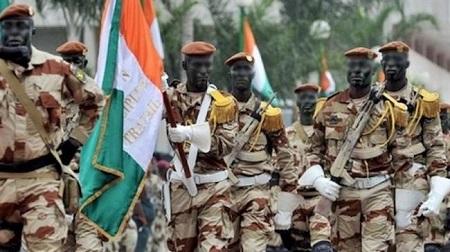 La Côte d'Ivoire ferme ses frontières terrestres et aériennes avec le Mali en application des sanctions de la CEDEAO