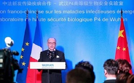 L'ancien Premier Mministre français Bernard Cazeneuve visitait le laboratoire P4 de Wuhan en 2017