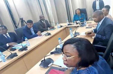Des cadres à l'école de la négociation de traités et d'accords internationaux d'investissement
