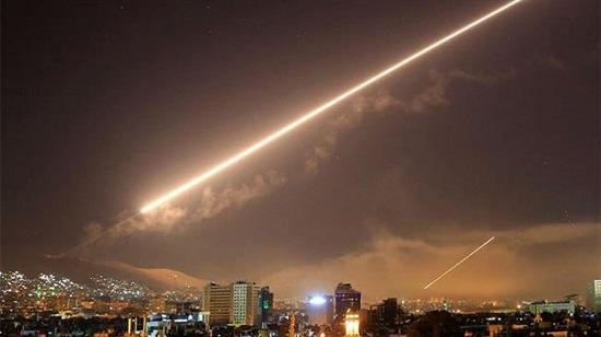 Missiles tirés dans la nuit du 14 avril 2018 contre Damas, lors de l'intervention des États-Unis, de la France et du Royaume-Unis en Syrie. ©AP