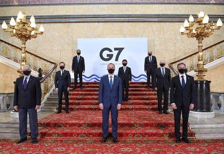 Photo de famille de la réunion des ministres des affaires étrangères du G7 à Londres. PHOTO/STEFAN ROUSSEAU