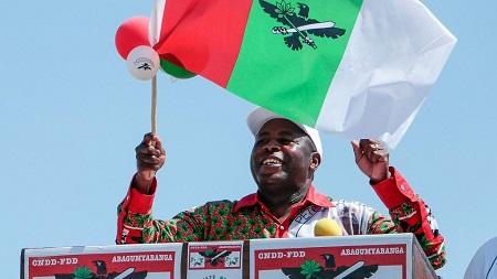 Le président burundais, Évariste Ndayishimiye, est investi jeudi à Gitega