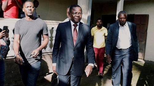 Le leader du MRC, Le Pr Maurice Kamto et son équipe
