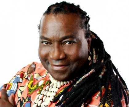 Wes Madiko, mieux connu sous le nom de Wes, Chanteur et musicien d'origine camerounaise