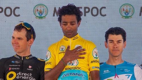 Merhawi Kudus encadré sur le podium par Rein Taaramae (2ème) et Matteo Badilatti (3ème). Mjrka Boensch Bees/Tour du Rwanda