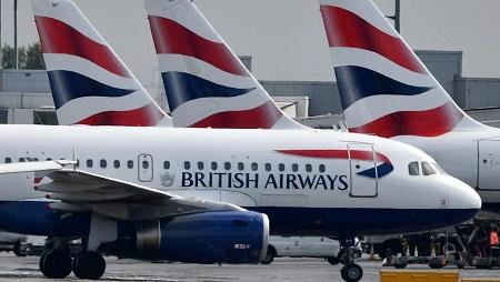 Des avions de la compagnie britannique British Airways à l'aéroport Heathrow, à Londres, le 3 mai 2019. BEN STANSALL / AFP
