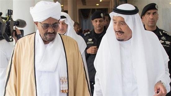 Le président soudanais Omar el-Béchir et le roi Salmane d'Arabie saoudite. (Archives)