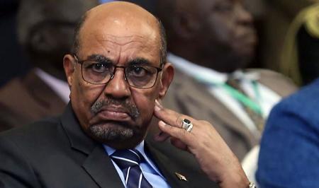 Le Soudan va remettre l'ex-président Omar el-Béchir à la Cour pénale internationale (CPI)