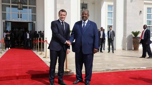 Le président français, Emmanuel Macron, et son homologue djiboutien, Ismaïl Omar Guelleh, à Djibouti, le 12 mars 2019. © Ludovic MARIN / POOL / AFP