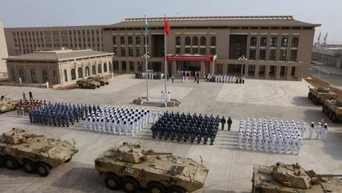 Photo prise le 1er août 2017 lors de l'inauguration de la base militaire chinoise de Djibouti. © STR / AFP
